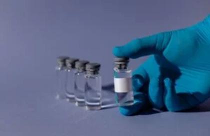 Vaccino insegnanti, novità nel piano del Ministero. Accelerata docenti