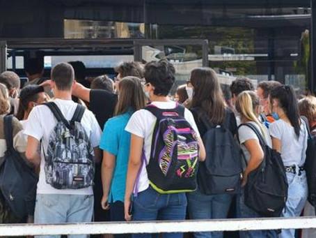 Covid, riapre la scuola: da mercoledì tornano in classe sei alunni su dieci