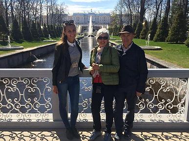 la guía en San Petersburgo la excursión a Peterhof con guía
