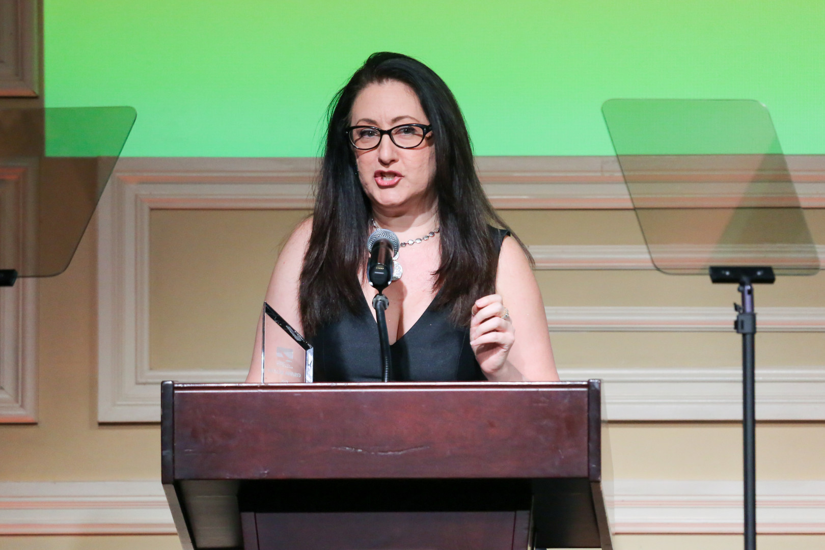 Ivy Isenberg receiving the 2019 Heller Award for Video Game Casting Director of the Year