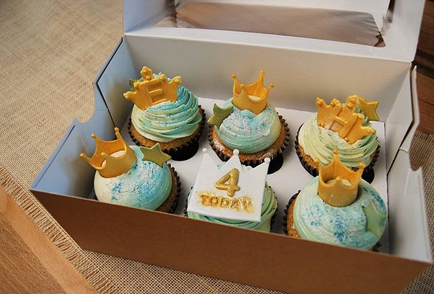 Princess cupcakes for twin girls 4th bir