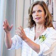 Dr Karin Geuijen