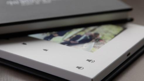 PlayBook_Black_103-1.jpg