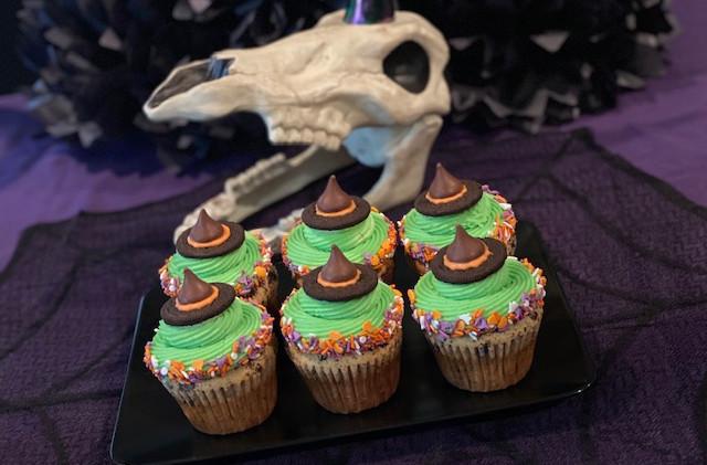 Custom Halloween Cupcakes Food-Delivery