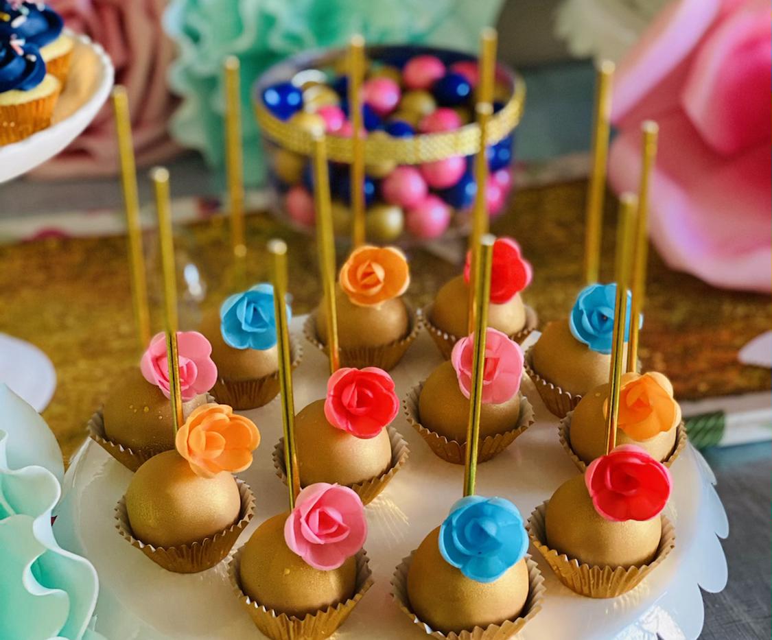 Custom Cake Pops Food-Delivery