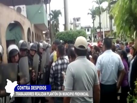 TRABAJADORES HACEN PLANTÓN EN MUNICIPIO PROVINCIAL DE MAYNAS CONTRA DESPIDOS MASIVOS