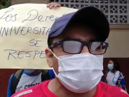 ESTUDIANTES PROTESTAN CONTRA ACCIONAR DE DOCENTE EN LA UNAP