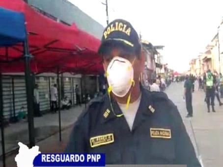 RESGUARDO PNP EN BANCOS CONTROLAN ORDEN Y SEGURIDAD DE USUARIOS