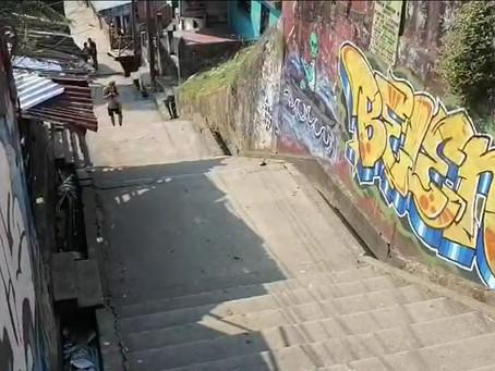 Vecinos destruyen garita de vigilancia que era guarida de delincuentes
