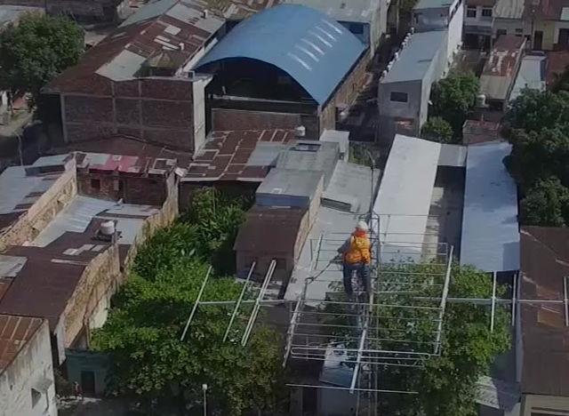 LA PNP DE BRETAÑA - PUINAHUA CONSTRUYE VIVIENDA A FAMILIA VULNERABLE