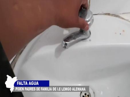 PADRES DE FAMILIA PIDEN AGUA Y OTROS SERVICIOS BÁSICOS EN LOS COLEGIOS EXIGEN APOYO DE AUTORIDADES