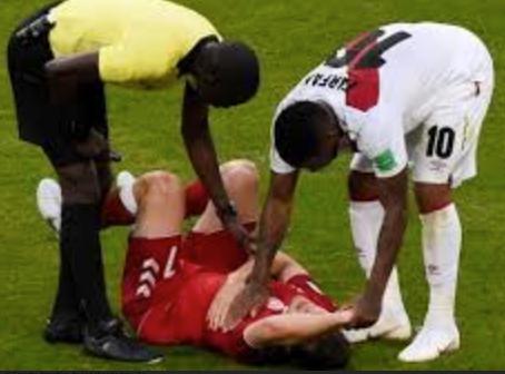 Danés terminó con costillas rotas y pulmón perforado tras chocar con Jefferson Farfán