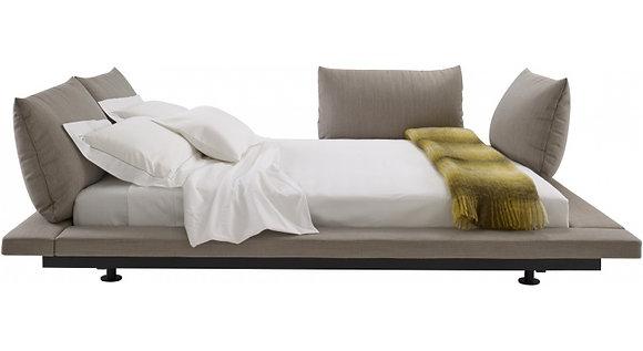 кровать Ligne Roset PETER MALY 2