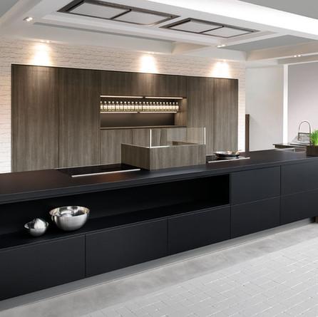 № RP 20 Кухня Rotpunkt Küchen Zerox - Black HPL XT | Leaf - Late Oak KQ