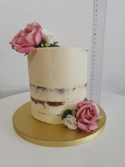 Layer NUDE cakes