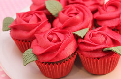 Red-roses-Valentines-cupcakes