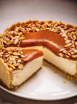 Gâteau au fromage au caramel et aux aman