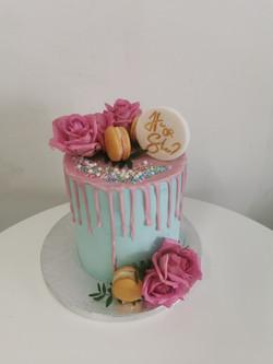Layer cake drip rose
