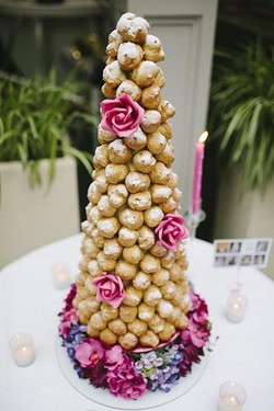 Croquenbouche Cake