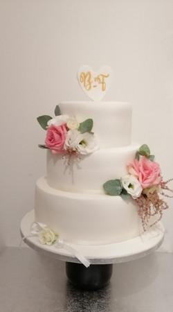 Wedding Cake blanc & fleurs