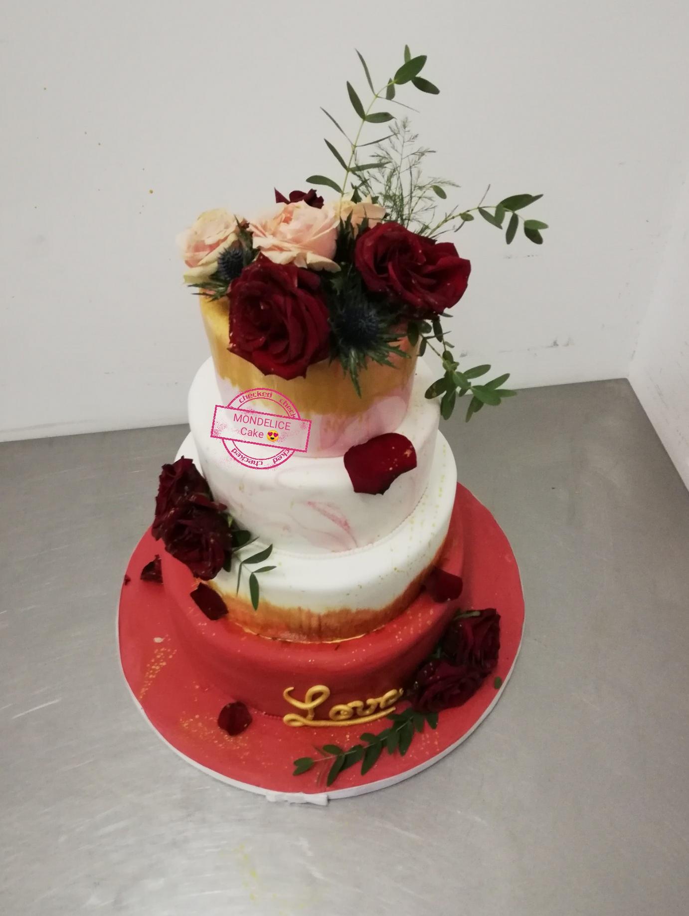 Wedding Cake Red an White