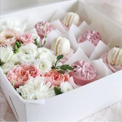 Box fleurs et cupcakes