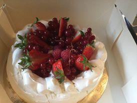 Pavlova Fruit Rouge