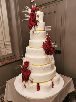 Wedding cake red & gold And white