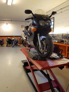 Motorcykelværksted, autoværksted