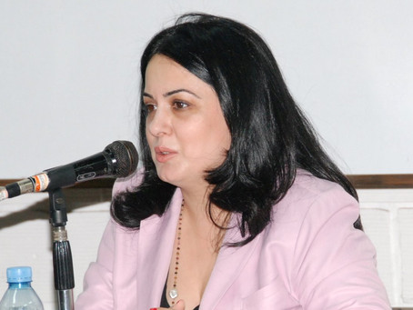 La embajadora Ester Mkrtumyan recibió a una delegación de la Unión Cultural Armenia