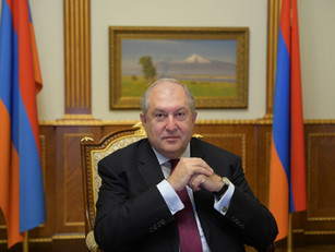 "Armén Sarkisián: ""Armenia no quiere estar entre Rusia y Europa"""