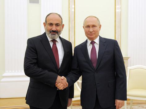 Pashinian y Putin dialogaron sobre el conflicto de Nagorno-Karabaj