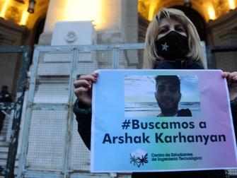Manifestación en Tribunales para exigir justicia por Arshak Karhanyan