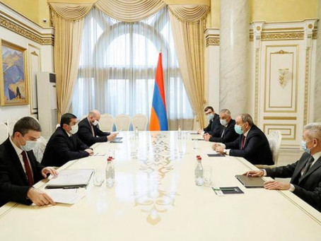 Nikol Pashinyan se reunió con Arayik Harutiunian