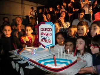 Más de mil personas celebraron los 90 años de Arzruni