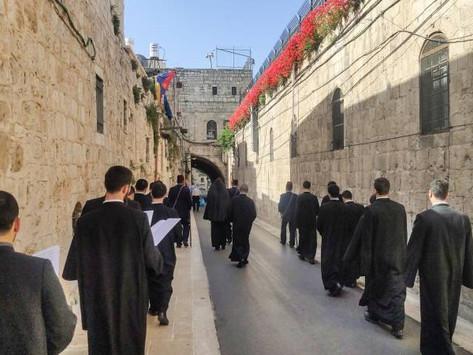 Un clérigo armenio de Jerusalén fue atacado por jóvenes israelíes