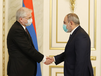 Pashinian recibió al copresidente ruso del Grupo de Minsk