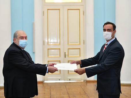 El nuevo Embajador argentino presentó sus cartas credenciales al Presidente de Armenia