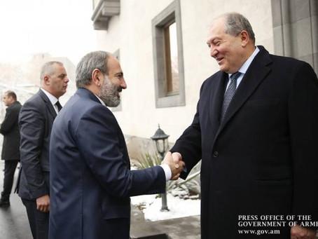 Pashinian visitó a Sarkissian
