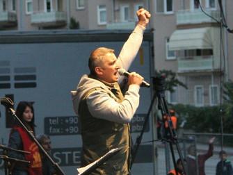 Murió el tercer músico del Grup Yorum tras 323 días en huelga de hambre