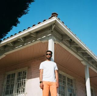 Joshua Crumbly: new single THREE