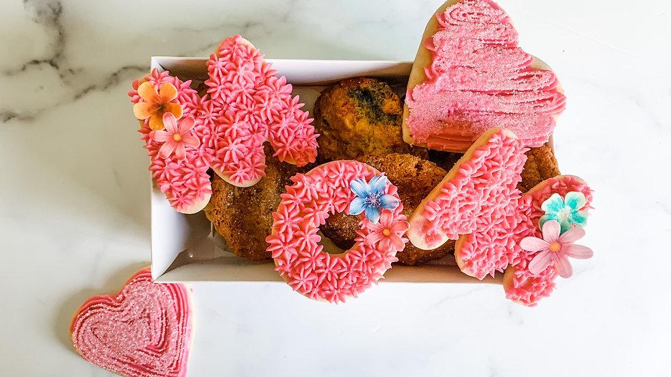 """Mom"" Cookie Box"