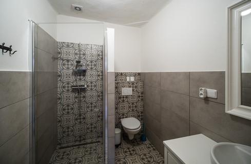 koupelna s moderním vybavením © Petr Louženský