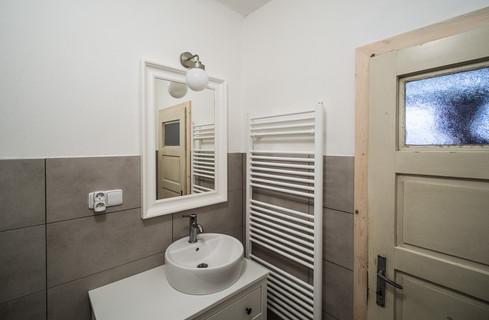 Koupelna k velkému pokoji pro hosty © Petr Louženský