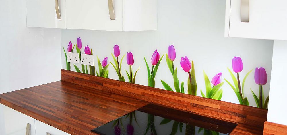 Kitchen renovation glass splashback