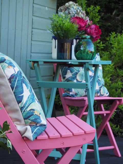 Easy and Fun weekend DIY - garden chairs makeover