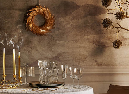 Sophisticated Christmas decor (or how to decorate like a Parisian)