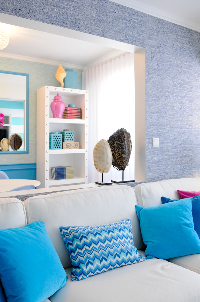 Interior design tips and ideas, living room decor, blue grasscloth wallpaper, coastal home, Palm Beach vibes, white sofas with blue cushions, chevron, pink vase