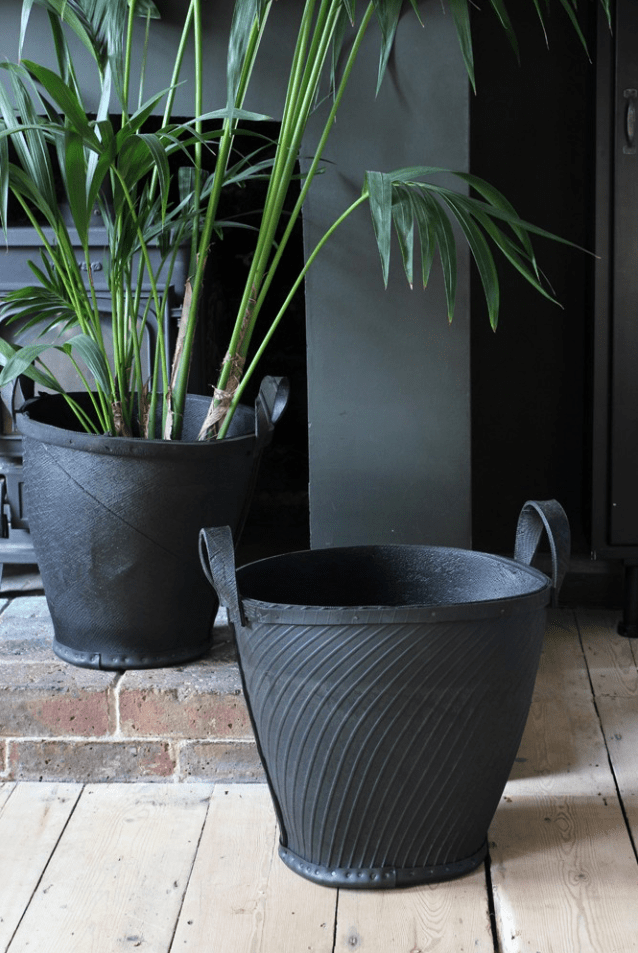 How to decorate with plant pots, upcycled tyre planter
