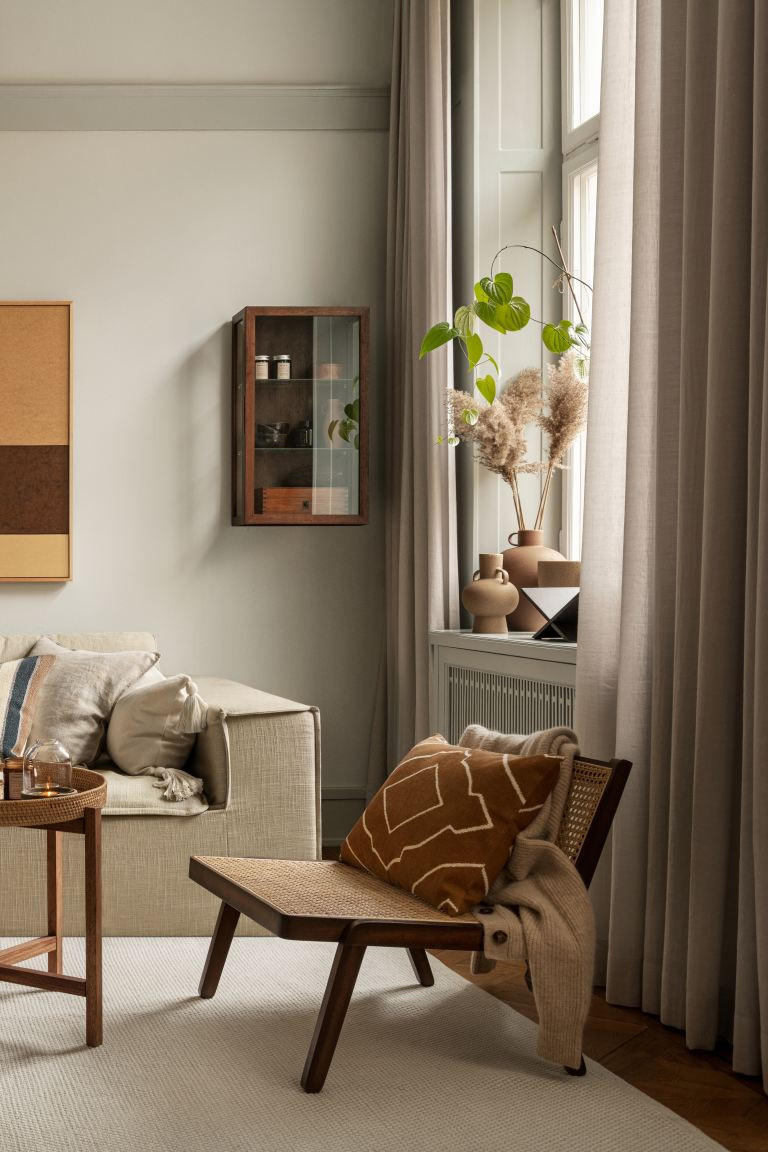 Reboot your home for winter with these 2 colour palettes | rattan chair LIVING ROOM DECOR HM HOME AW20 with terracotta colours | seasonsincolour interiors blog